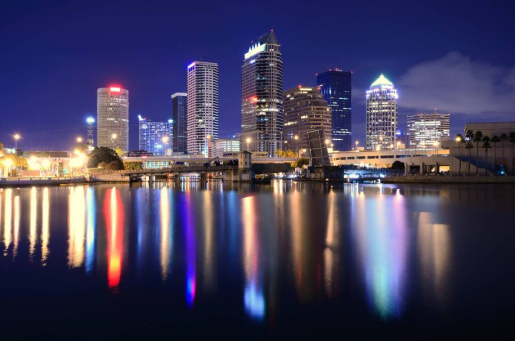 4 Reasons to Work with a Flat Fee Real Estate Agent in Tampa Bay