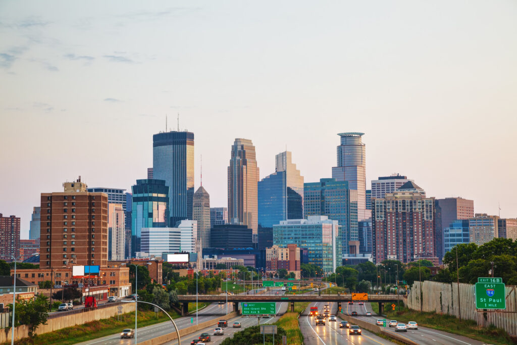 5 reasons to work with a flat fee realtor in Minneapolis